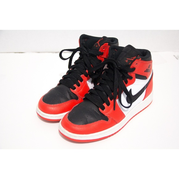 d0de66a3fdad Jordan Other - Jordan Youth Retro 1s High Size 3.5Y GS Rare Air